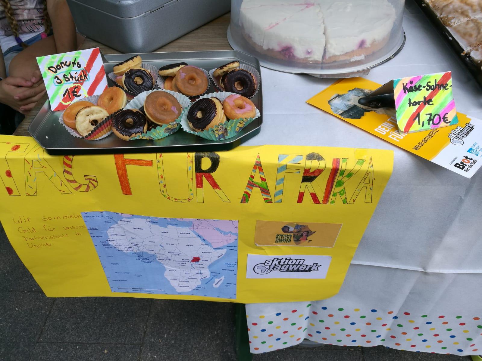 Kuchenverkauf für Afrika